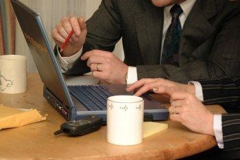 Internet i laptop w salonach Orange - prezent na święta